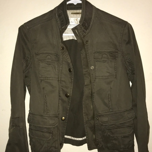 ffd87a1d2b8 Abercrombie   Fitch Jackets   Blazers - Abercrombie and Fitch bomber jacket.